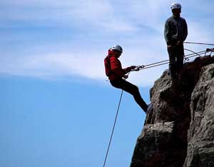Go Explore Hostel - Adventure West Abseiling