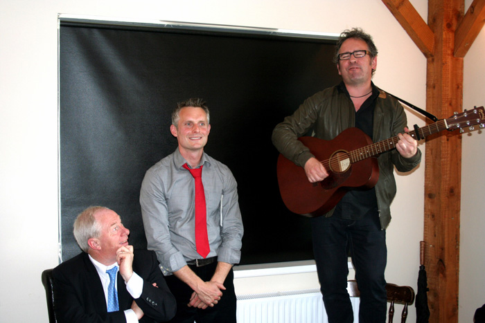 Leo Moran of the Saw doctors sings will you meet me on Clare Island at the launch